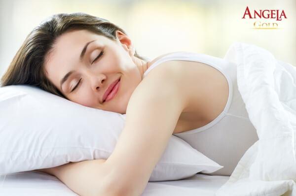 ngủ đủ giấc giúp cân bằng nội tiết tố nữ