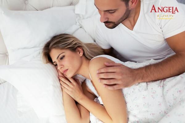 rối loạn nội tiết tố khiến âm đạo bị khô