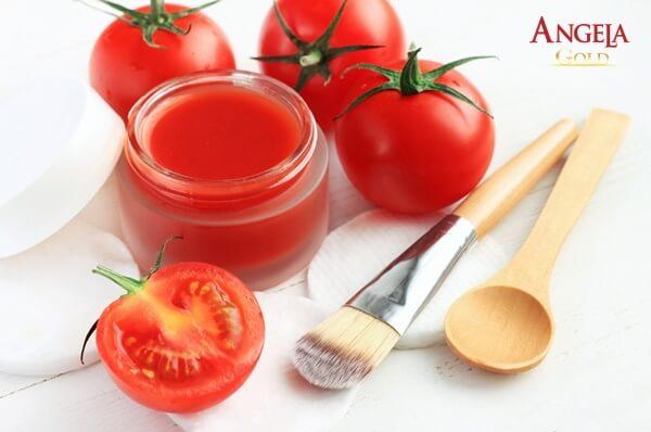 Cà chua làm mờ các vết sạm