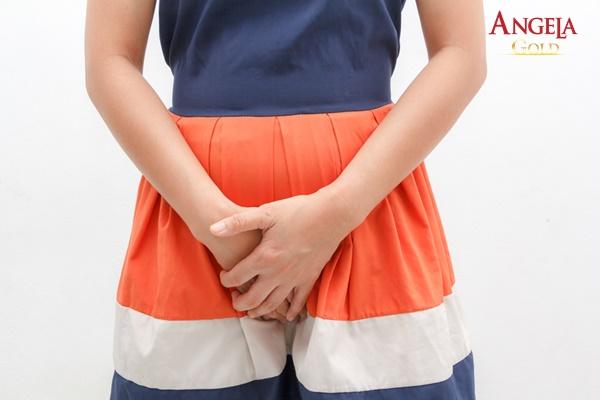 âm đạo bị ngứa và đau rát do nhiễm trùng