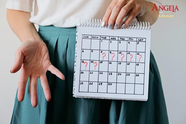 kinh nguyệt rối loạn là dấu hiệu của rối loạn nội tiết tố nữ