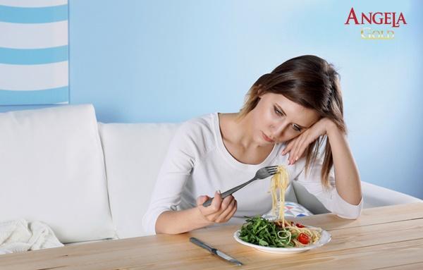 Testosterone thấp khiến nữ giới chán ăn