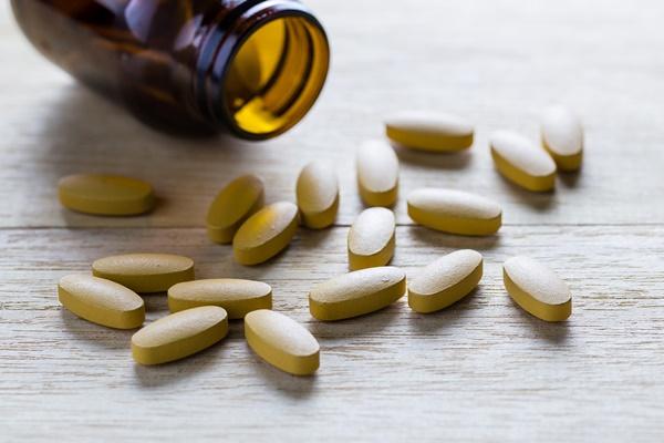 điều trị Testosterone nữ cao hoặc thấp bằng thuốc