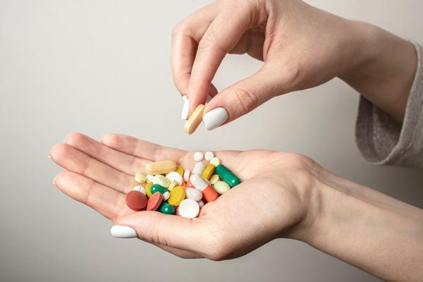 lưu ý khi sử dụng liệu pháp hormone thay thế sao cho an toàn